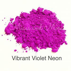 MAM Violet NeonWMtext-1
